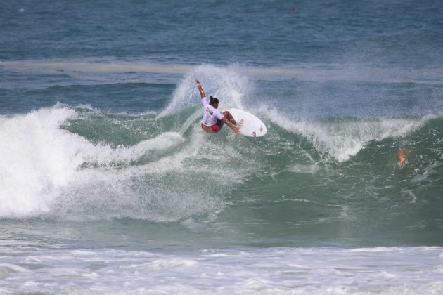 Suelen Naraisa, Maricá Surf Pro / AM 2019, Ponta Negra (RJ). Foto: @surfetv / @carlosmatiasrj.