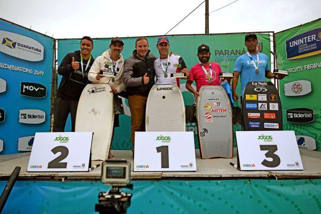 Pódio Master, Paranaense de Bodyboard 2019, Praia Brava, Guaratuba (PR). Foto: Vinicius Araújo / Thaise Oliveira.