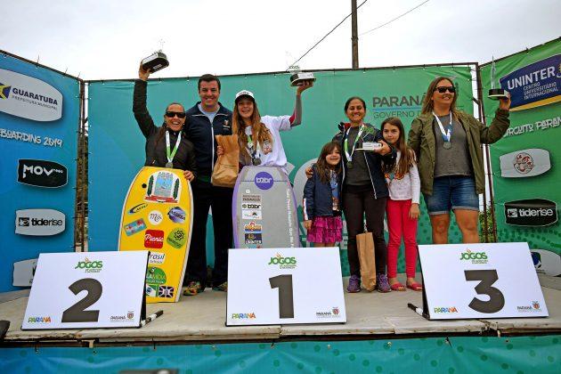 Pódio Elite Feminino, Paranaense de Bodyboard 2019, Praia Brava, Guaratuba (PR). Foto: Vinicius Araújo / Thaise Oliveira.