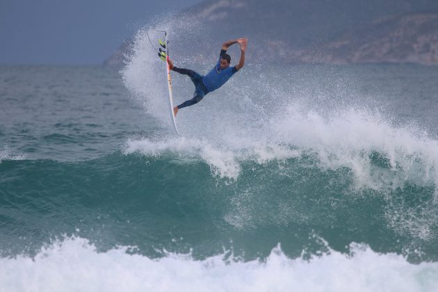 Amando Tenorio, Praia do Forte, Cabo Frio (RJ). Foto: @surfetv / @carlosmatiasrj.
