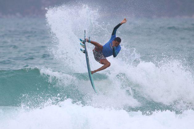Arthur Silva, Praia do Forte, Cabo Frio (RJ). Foto: @surfetv / @carlosmatiasrj.