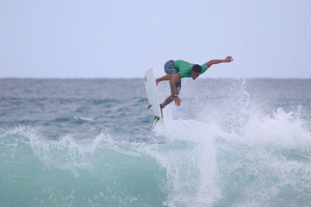 Davi Silva, Praia do Forte, Cabo Frio (RJ). Foto: @surfetv / @carlosmatiasrj.
