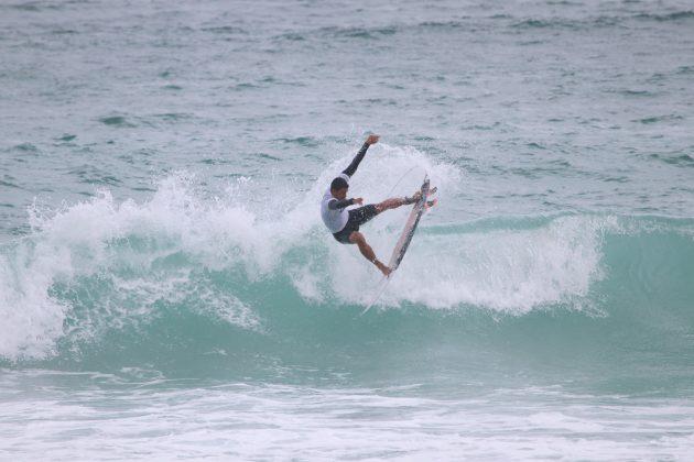 Igor Moares, Praia do Forte, Cabo Frio (RJ). Foto: @surfetv / @carlosmatiasrj.