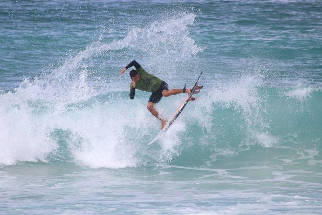 Igor Moraes, Praia do Forte, Cabo Frio (RJ). Foto: @surfetv / @carlosmatiasrj.