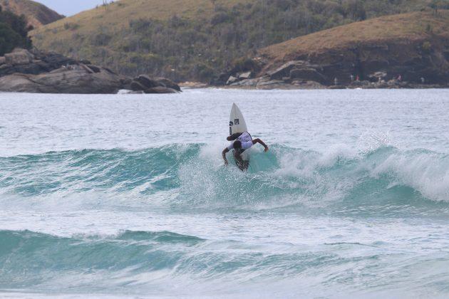 Jennifer de Souza, Praia do Forte, Cabo Frio (RJ). Foto: @surfetv / @carlosmatiasrj.