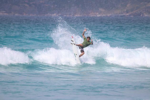 Kalebe Kymmerson, Praia do Forte, Cabo Frio (RJ). Foto: @surfetv / @carlosmatiasrj.