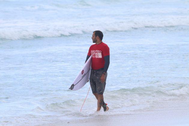 Leandro Bastos, Praia do Forte, Cabo Frio (RJ). Foto: @surfetv / @carlosmatiasrj.