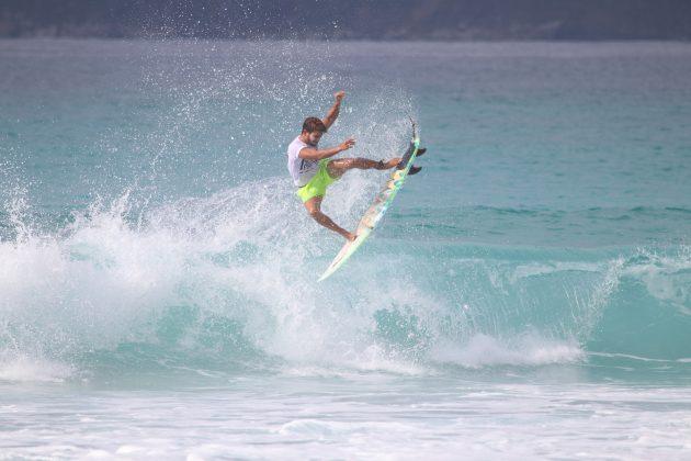 Matheus Faria, Praia do Forte, Cabo Frio (RJ). Foto: @surfetv / @carlosmatiasrj.