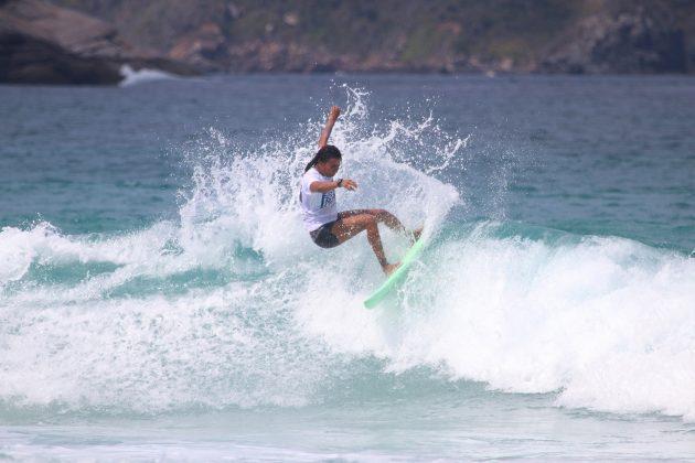 Monik Santos, Praia do Forte, Cabo Frio (RJ). Foto: @surfetv / @carlosmatiasrj.