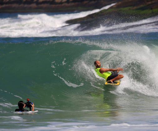 Stephan Figueiredo, Tunel Crew Shootout 2019, Itacoatiara, Niterói (RJ). Foto: Tony D'Andrea.