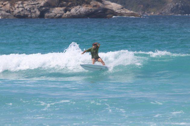 Taís de Almeida, Praia do Forte, Cabo Frio (RJ). Foto: @surfetv / @carlosmatiasrj.