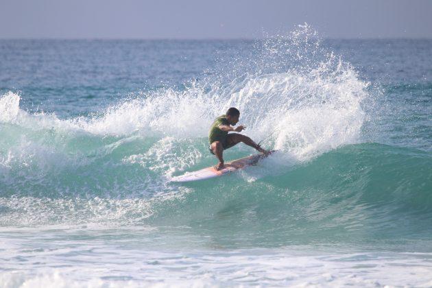 Vitor Ferreira, Praia do Forte, Cabo Frio (RJ). Foto: @surfetv / @carlosmatiasrj.