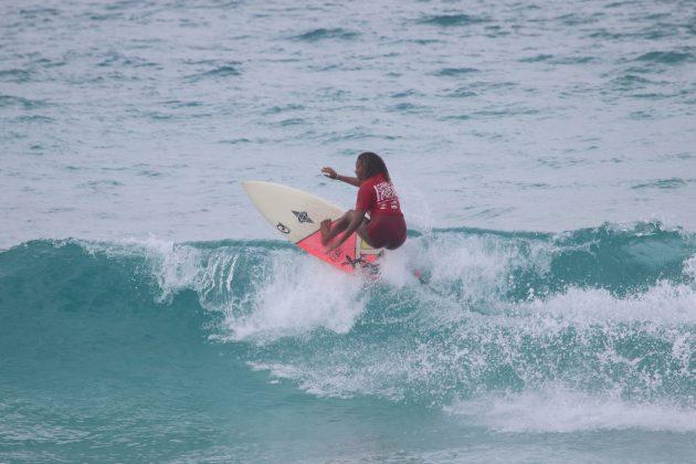 Yanca Costa, Praia do Forte, Cabo Frio (RJ). Foto: @surfetv / @carlosmatiasrj.