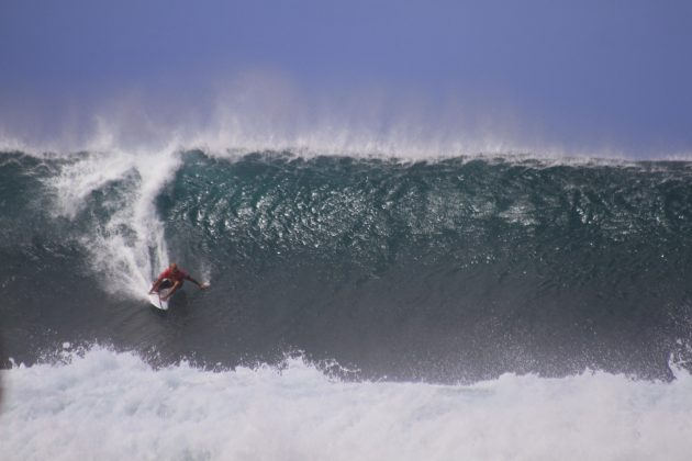 Kelly Slater, Pipeline, North Shore de Oahu, Havaí. Foto: David Nagamini.