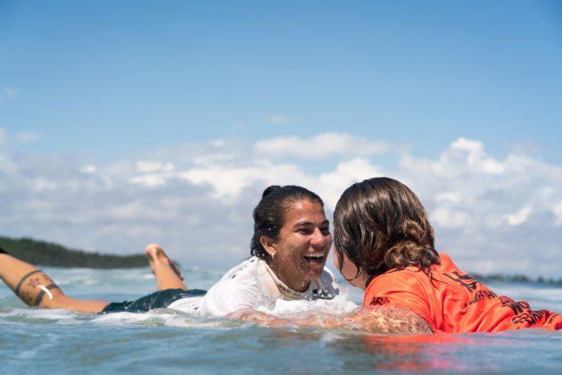 Silvana Lima e Sofia Mulanovich, ISA World Surfing Games 2019, Miyazaki, Japão. Foto: ISA / Evans.