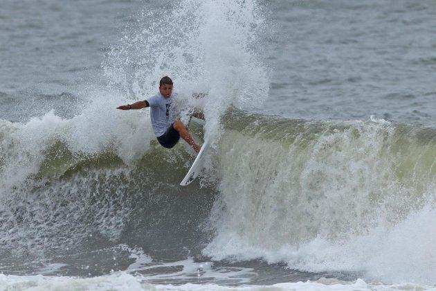 Fernando Junior, Hang Loose Surf Attack 2019, Praia do Tombo, Guarujá (SP). Foto: Munir El Hage.