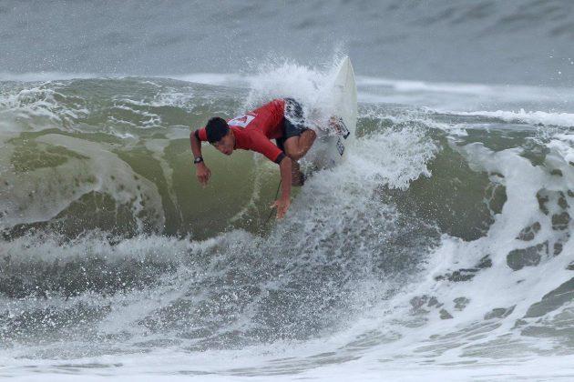 Gabriel Dias, Hang Loose Surf Attack 2019, Praia do Tombo, Guarujá (SP). Foto: Munir El Hage.
