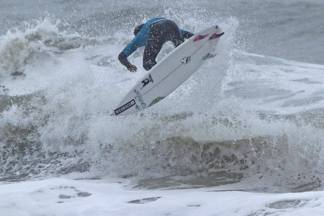 Guilherme Fernandes, Hang Loose Surf Attack 2019, Praia do Tombo, Guarujá (SP). Foto: Munir El Hage.