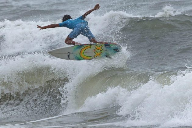 Lucas Lisboa, Hang Loose Surf Attack 2019, Praia do Tombo, Guarujá (SP). Foto: Munir El Hage.