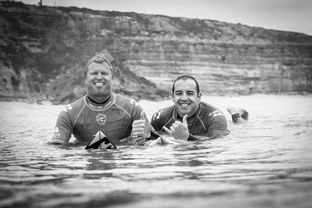 Taj Burrow e Tiago Pires, Billabong Pro Ericeira 2019, Ribeira D'Ilhas, Portugal. Foto: WSL / Poullenot.