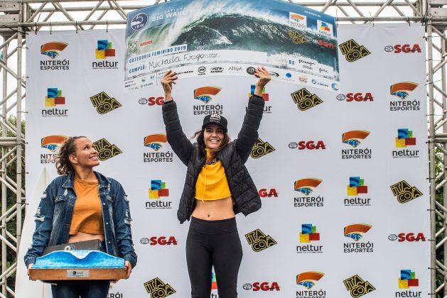 Raquel Heckert e Michaela Fregonese, Itacoatiara Big Wave 2019, Niterói (RJ). Foto: Itacoatiara Big Wave.