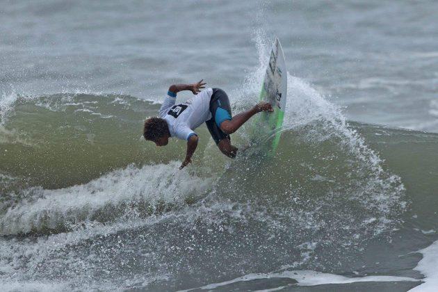 Sunny Pires, Hang Loose Surf Attack 2019, Praia do Tombo, Guarujá (SP). Foto: Munir El Hage.