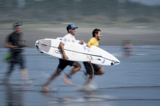 Kelly Slater e Jeremy Flores, Aloha Cup 2019, Miyazaki, Japão. Foto: ISA / Ben Reed.