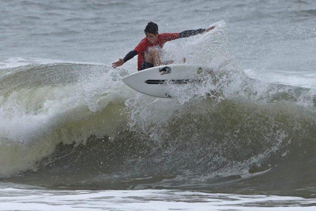 Vinicius Parra, Hang Loose Surf Attack 2019, Praia do Tombo, Guarujá (SP). Foto: Munir El Hage.