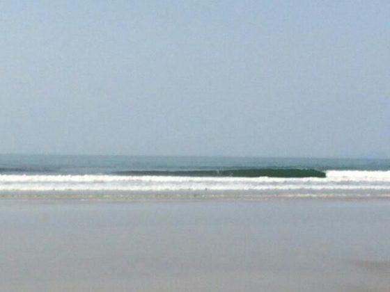 Foto: Tcharlie - Escola de Surf Canto Mágico