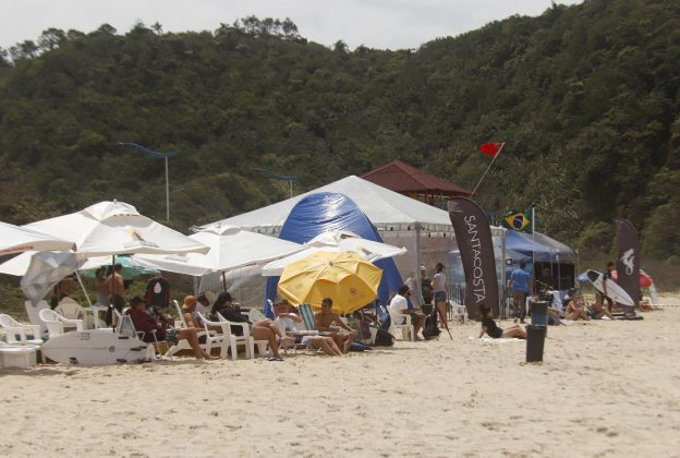 Bakana Brava Beach, Canto do Morcego, Itajaí (SC). Foto: Basilio Ruy/P.P07.