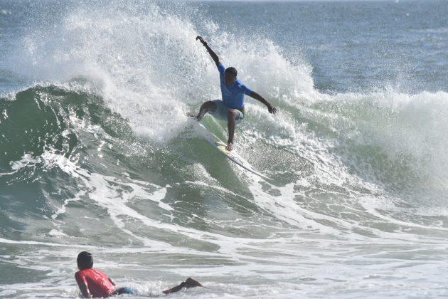 Cauã Costa, Itacoatiara, Niterói (RJ). Foto: Iuri Corsini.