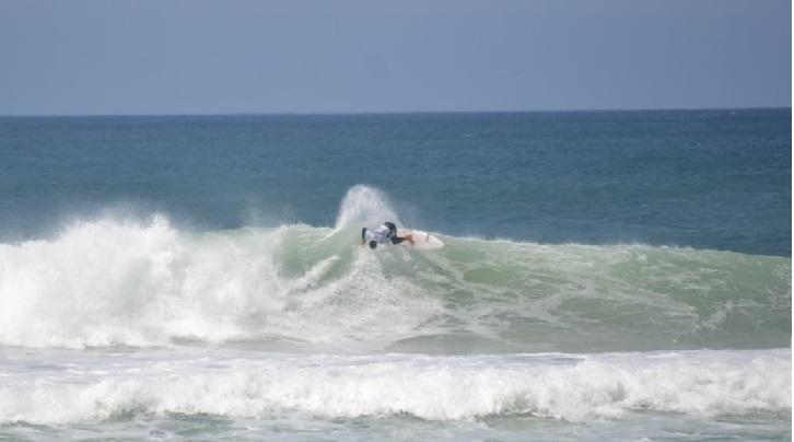 Kayki Araújo, Surfe Treino South to South 19, Moçambique, Florianópolis (SC). Foto: Marcelo Barbosa.