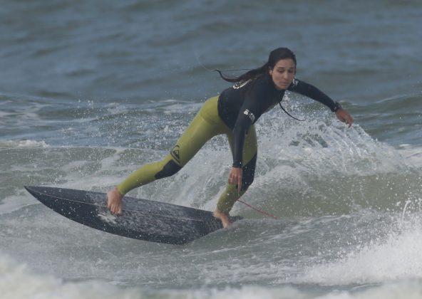 Luiza Biasuz, Bakana Brava Beach, Canto do Morcego, Itajaí (SC). Foto: Basilio Ruy/P.P07.