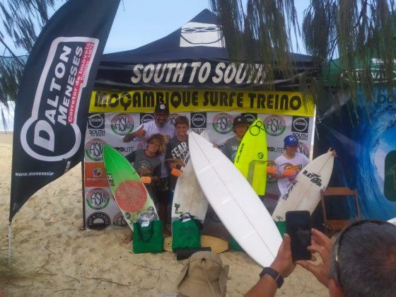 Pódio Iniciantes, Surfe Treino South to South 19, Moçambique, Florianópolis (SC). Foto: Marcelo Barbosa.