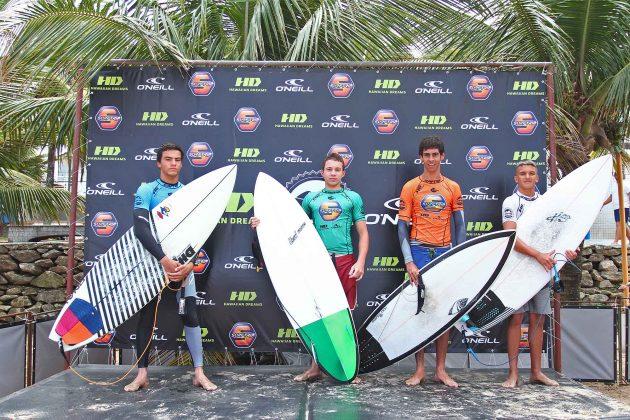 Pódio Júnior, Surf Trip SP Contest 2019, praia do Tombo, Guarujá (SP). Foto: Munir El Hage.