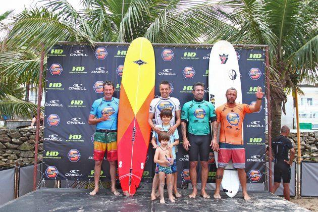 Pódio Longboard, Surf Trip SP Contest 2019, praia do Tombo, Guarujá (SP). Foto: Munir El Hage.