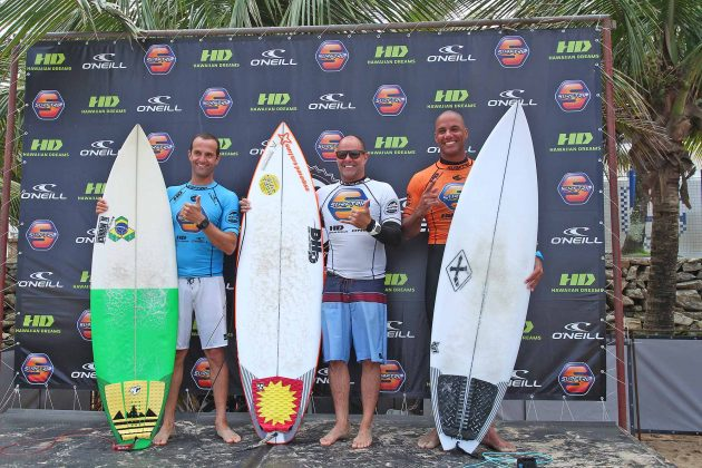 Pódio Master, Surf Trip SP Contest 2019, praia do Tombo, Guarujá (SP). Foto: Munir El Hage.