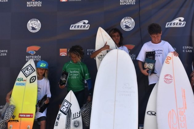 Pódio Sub-12, Itacoatiara Pro Junior, Niterói (RJ). Foto: Iuri Corsini.