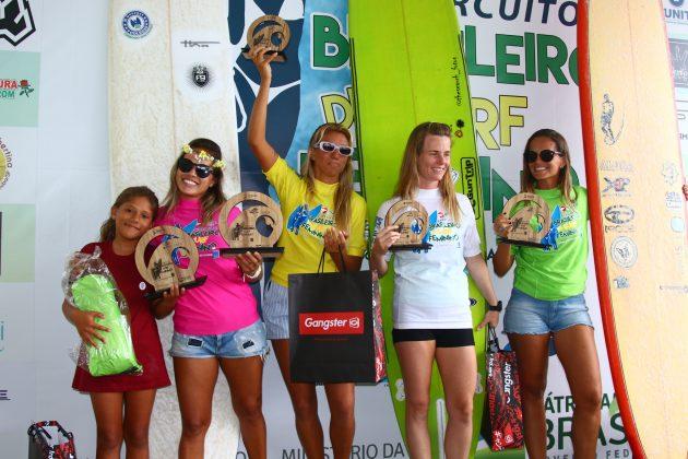 Pódio Longboard, Circuito Brasileiro Feminino 2019, Itamambuca, Ubatuba (SP). Foto: Daniel Smorigo.