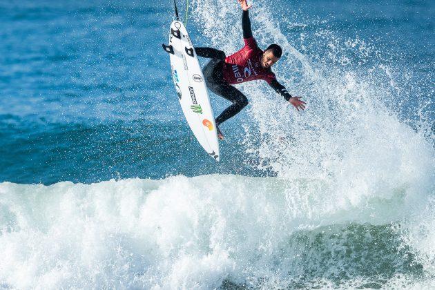 Filipe Toledo, MEO Rip Curl Pro Portugal 2019, Supertubos, Peniche. Foto: WSL / Poullenot.
