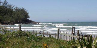 Praias seguem fechadas