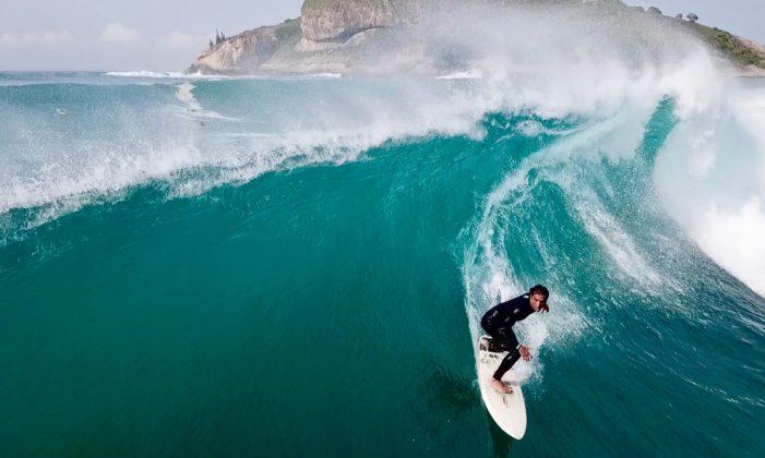 Allan Serrano, Recreio dos Bandeirantes, Rio de Janeiro (RJ). Foto: Ruby Coruja Braga / @surfmappers.