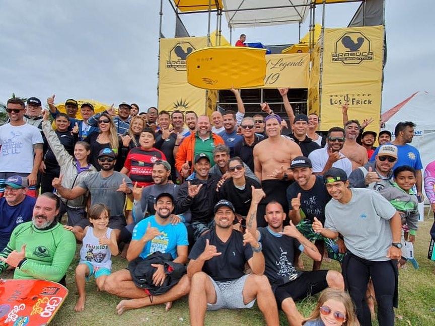 Galera reunida em mais uma edição do Brazuca Bodyboard Legends.