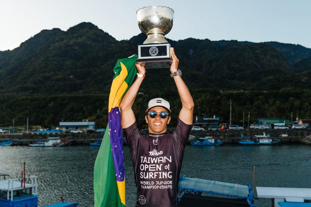 Lucas Vicente é o atual campeão mundial Pro Júnior. Última edição do WSL Junior Championships aconteceu no ano de 2019 em Jinzun Harbor, Taiwan.