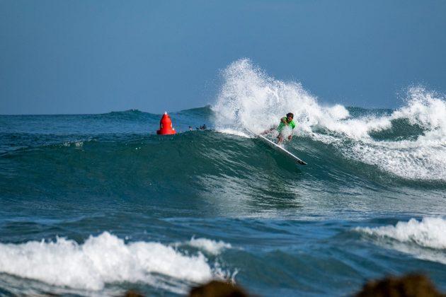 Robert Grilho, North Shore de Oahu, Havaí. Foto: WSL / Keoki.