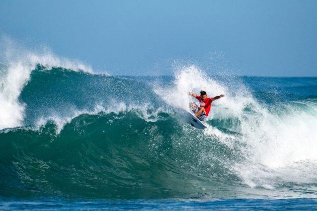 Tomas Hermes, North Shore de Oahu, Havaí. Foto: WSL / Keoki.