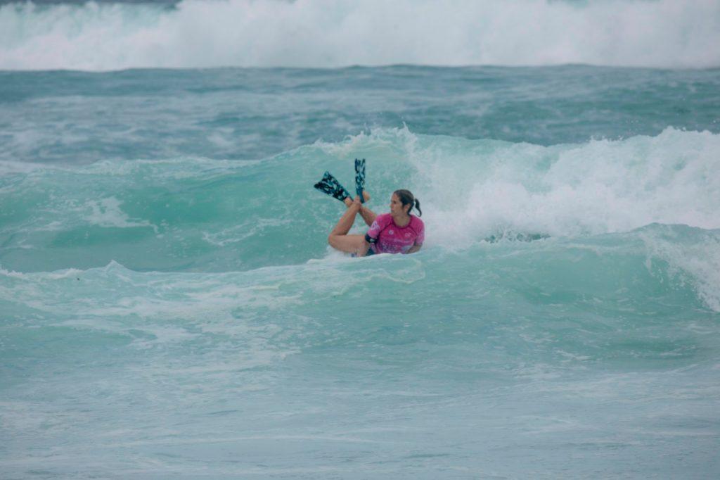 Atual campeã brasileira, Joselaine Amorim é uma das inscritas na Taça Nacional de Bodyboarding Virtual.