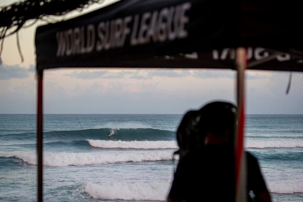 Sunset Pro acontece entre os dias 19 e 28 de janeiro no Havaí.