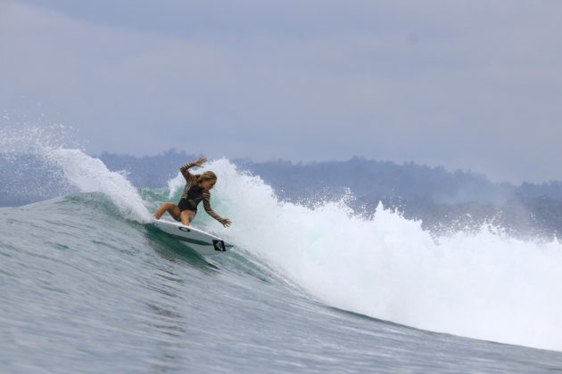 Sierra Kerr, Mentawai, Indonésia. Foto: Divulgação.