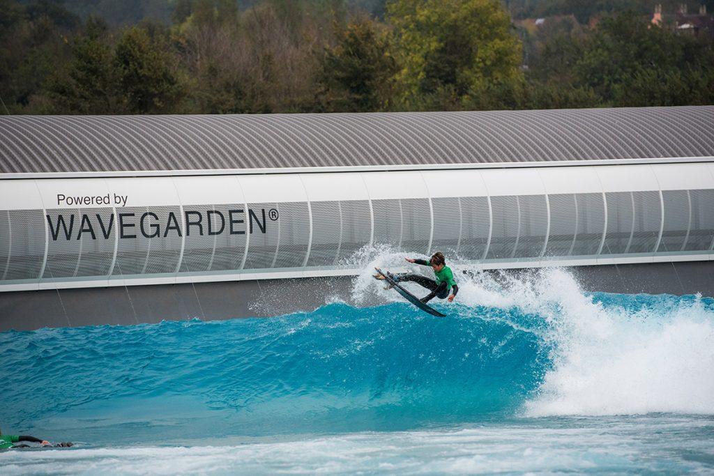 Wavegarden acaba de abrir uma piscina em Bristol, Inglaterra.